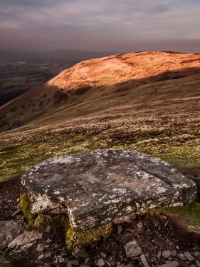 The 'seat' on Cefn Cwm Llwch.